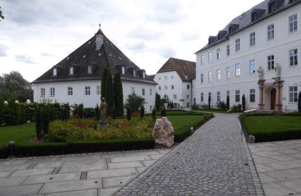 fraueninsel-kloster