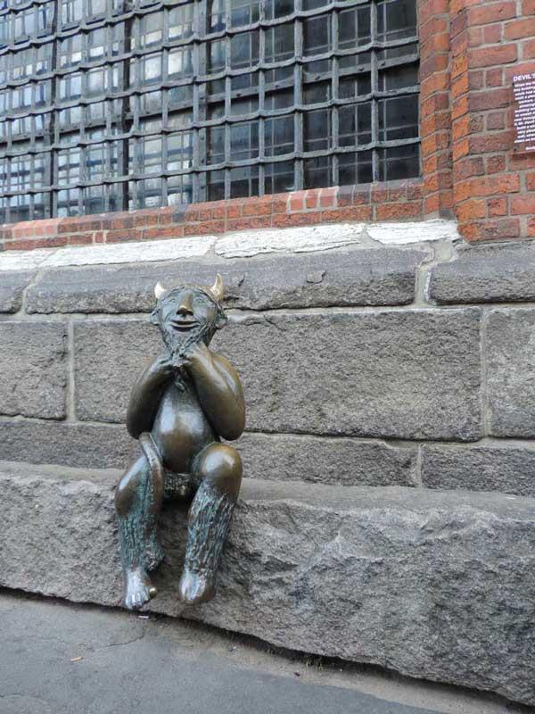 Lübeck - Teufel vor Marienkirche