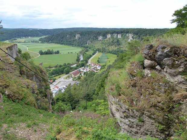 Schloss-Arnsberg-Ausblick-Altmuehltal